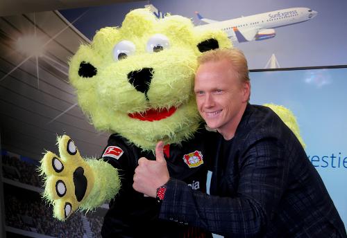 Für SunExpress bringen wir den Ball ins Rollen – und Urlaubsfeeling ins Stadion Bild 2